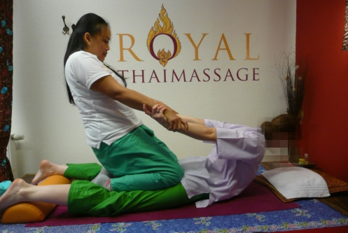 Massagen in der Royal Thaimassage Dresden -Traditionelle Thaimassage